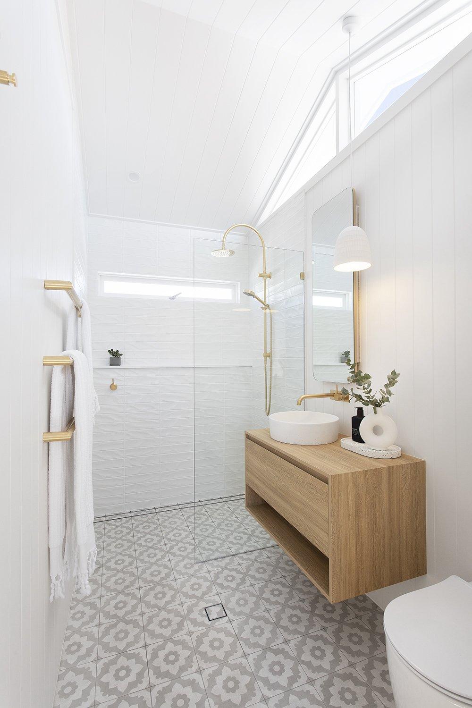 Burleigh Heads accommodation luxe bathroom