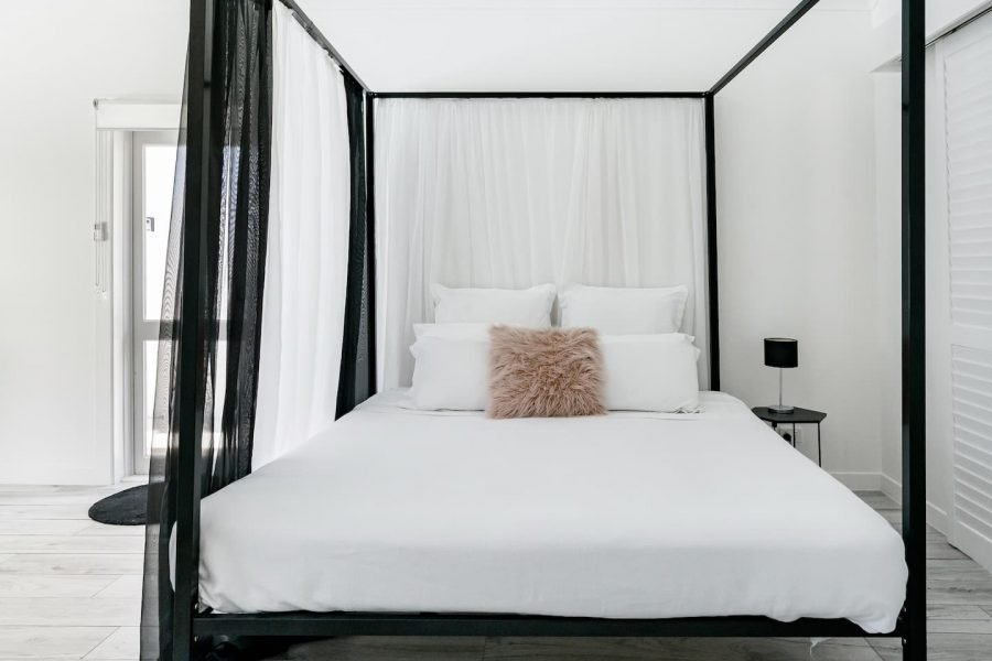 Mermaid waters accommodation guesthouse master bedroom